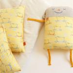 polštářek Bertík jde chrupat pastelkově žlutý