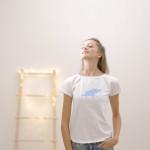 dámské tričko světle modrý pašík na bílém krátký rukáv S